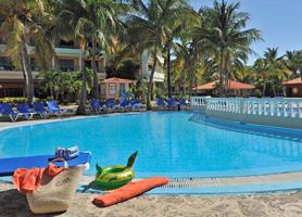 Sol Sirenas Coral Varadero pool